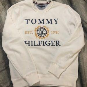 Tommy Hilfiger crest